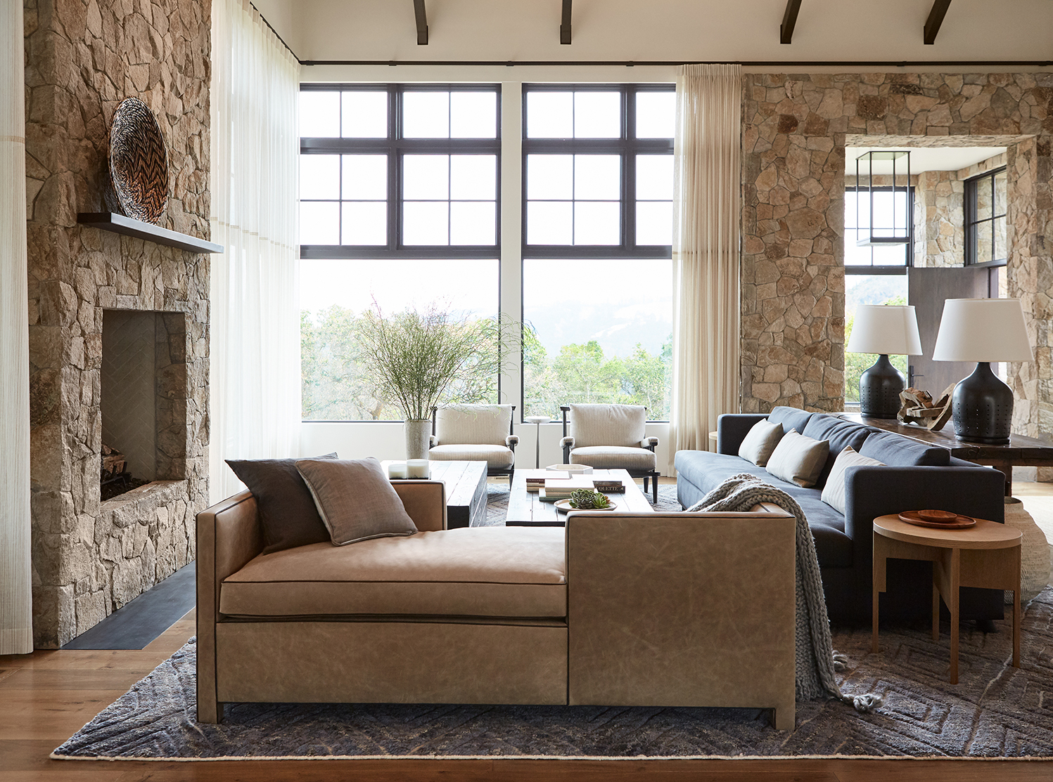 Jennifer_robins_interiors_projects_calistoga_JRI.MtnHomeRanch_016_1_living_room_LR_fireplace