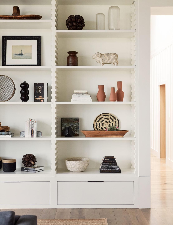 Jennifer_robins_interiors_projects_calistoga_JRI.MtnHomeRanch_034_bookcase_bookshelf