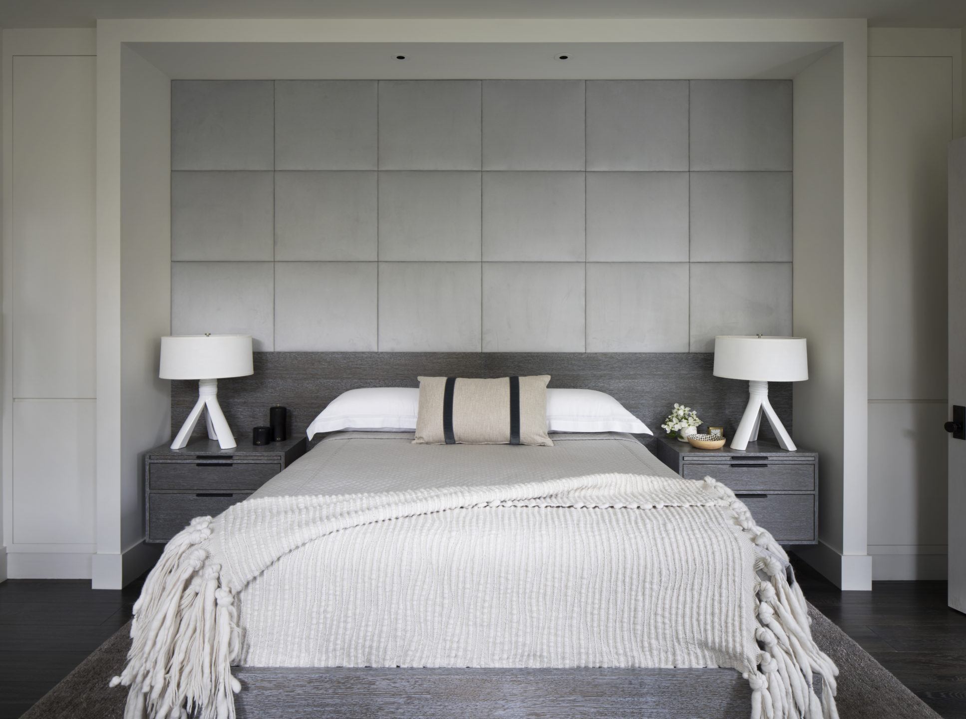 Jennifer_robins_interiors_projects_downtown_sonoma_6_bedroom_bed_BR