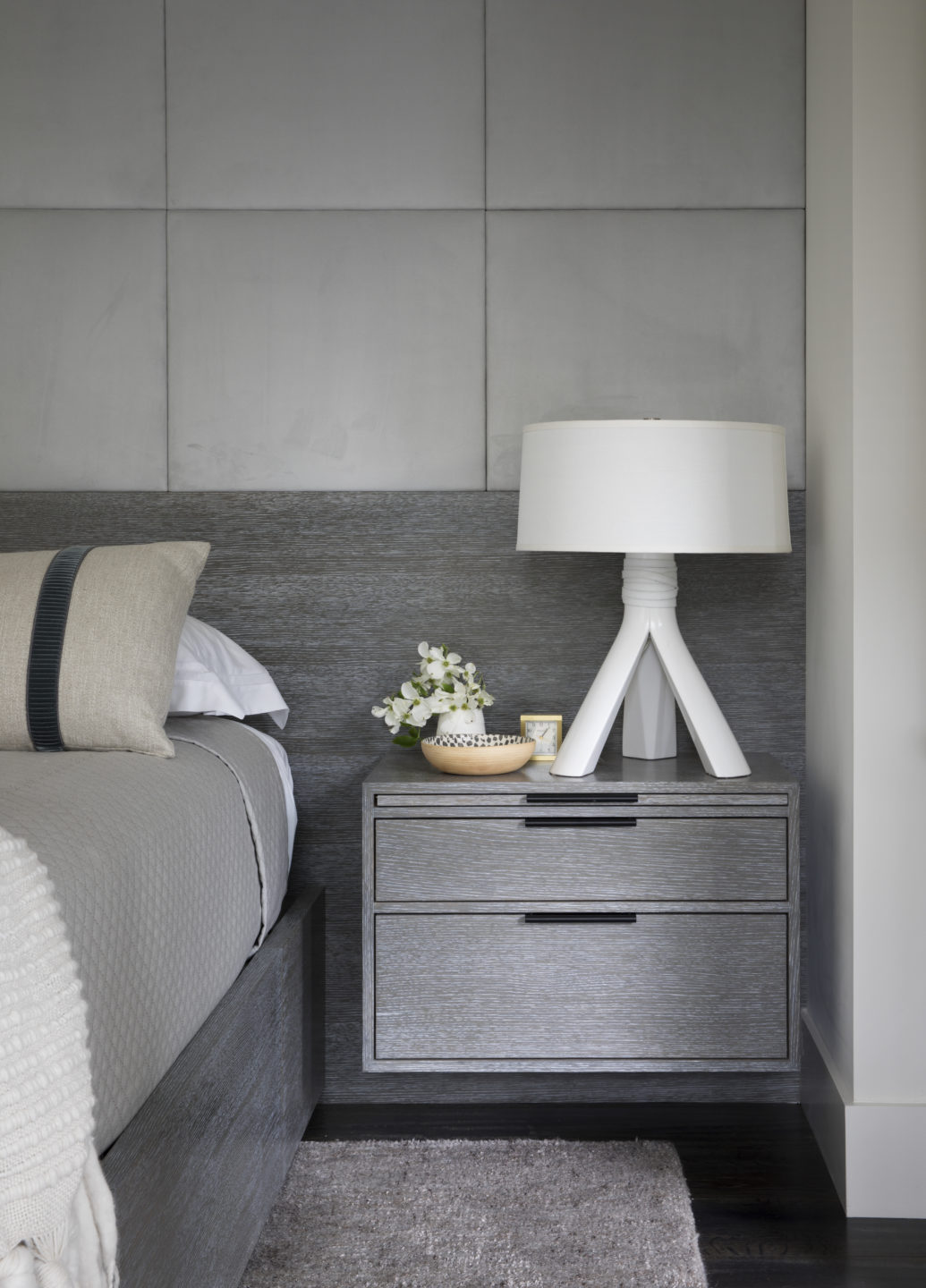 Jennifer_robins_interiors_projects_downtown_sonoma_7_bedroom_BR_details_nightstand
