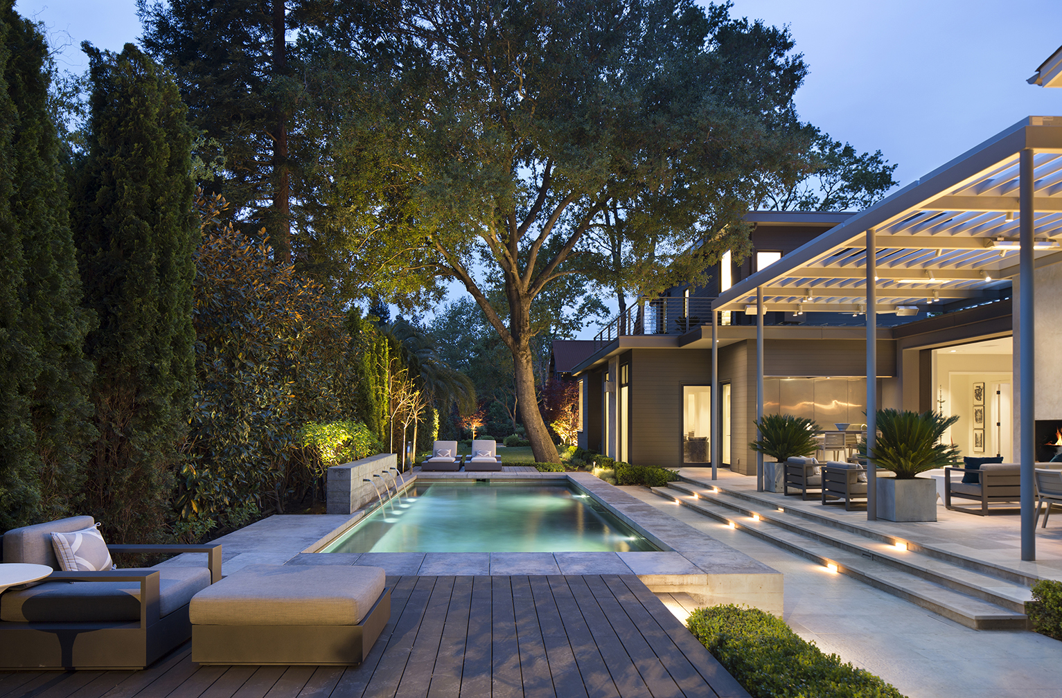 Jennifer_robins_interiors_projects_downtown_sonoma_exterior_landscape_8a