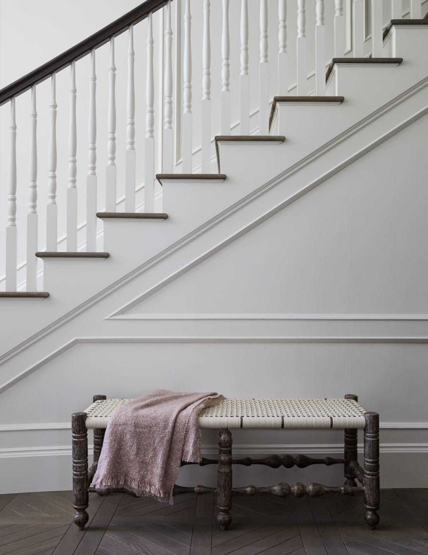 Jennifer_robins_interiors_projects_healdsburg_6_seating_staircase_vert