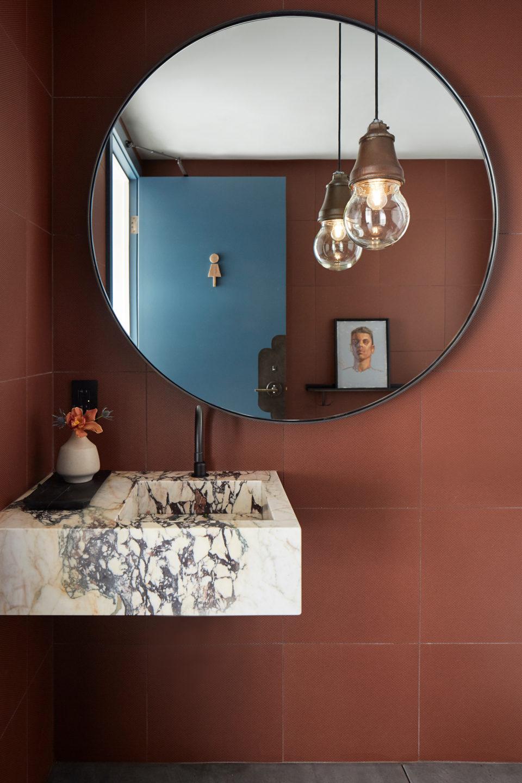 Jennifer_robins_interiors_projects_kosta_browne_winery_10KostaBrowne.LWD.JRI_012_sink_bathroom