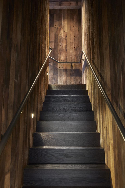 Jennifer_robins_interiors_projects_kosta_browne_winery_4KostaBrowne.LWD.JRI_013_staircase_vert