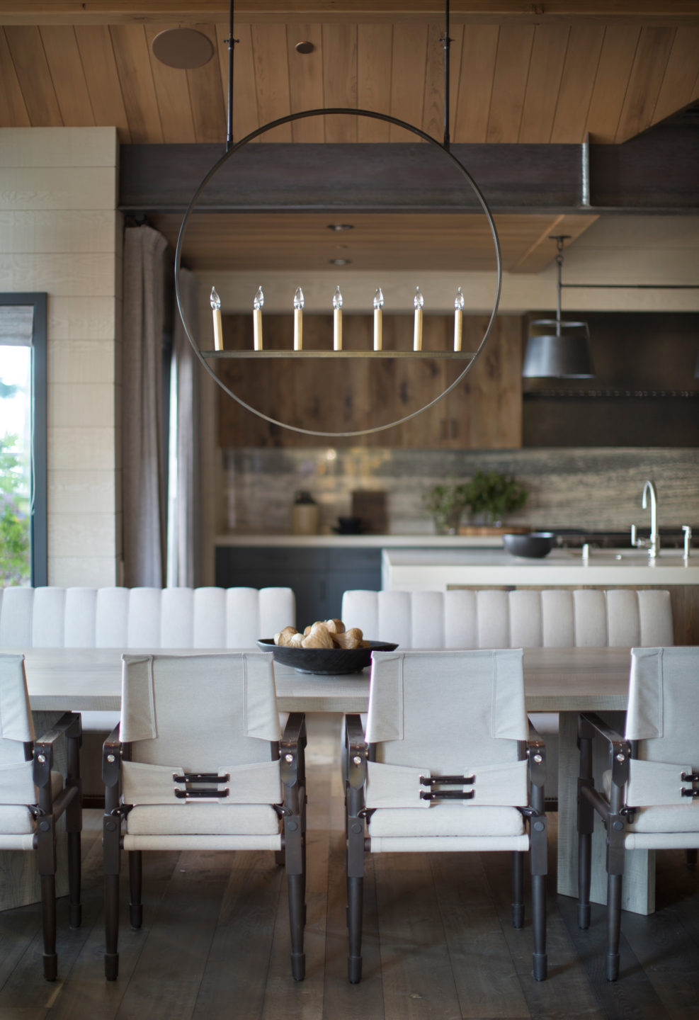Jennifer_robins_interiors_projects_lake_tahoe_Leupold_09_off_dining_room_table_DR