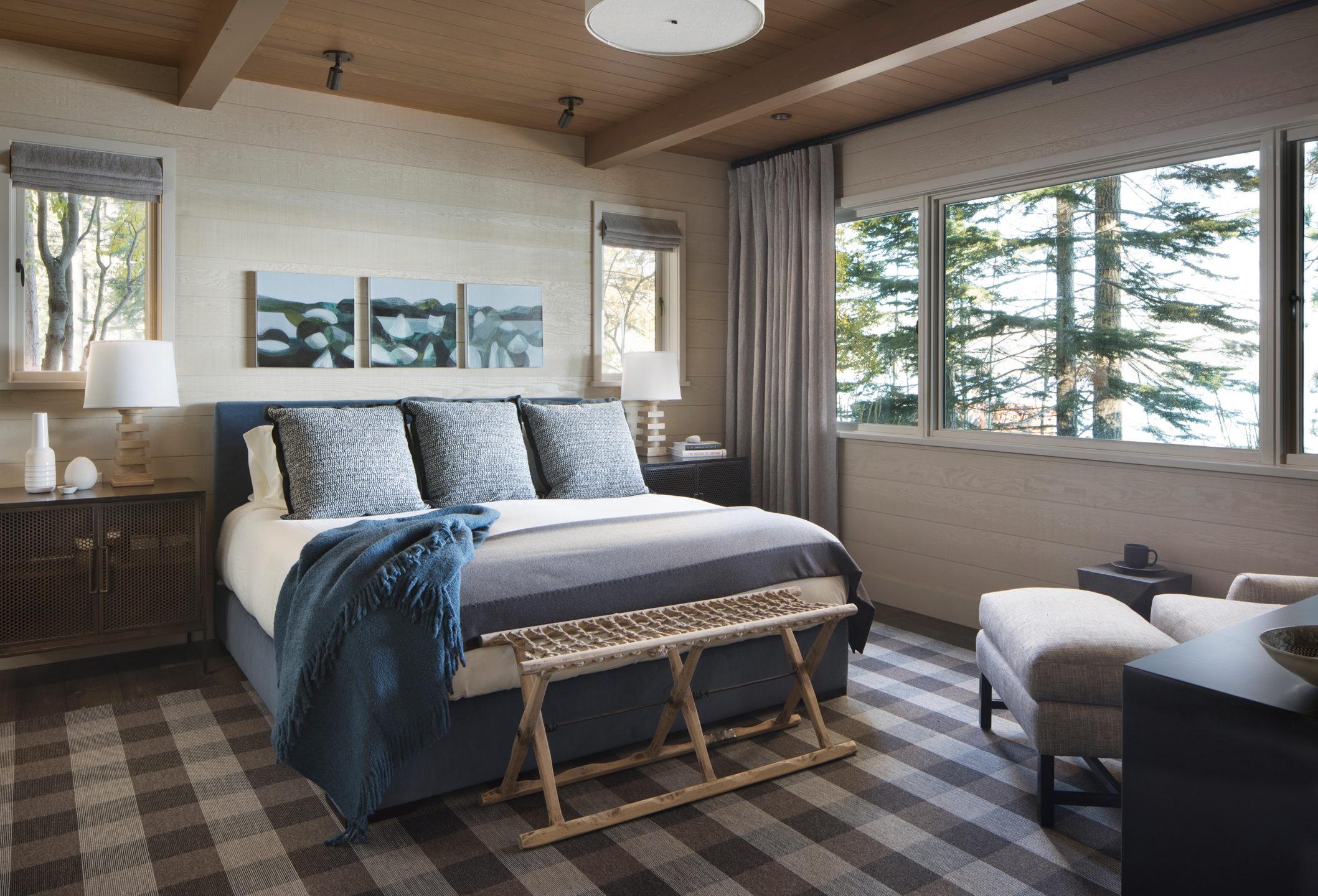 Jennifer_robins_interiors_projects_lake_tahoe_Leupold_18_off_bedroom_BR