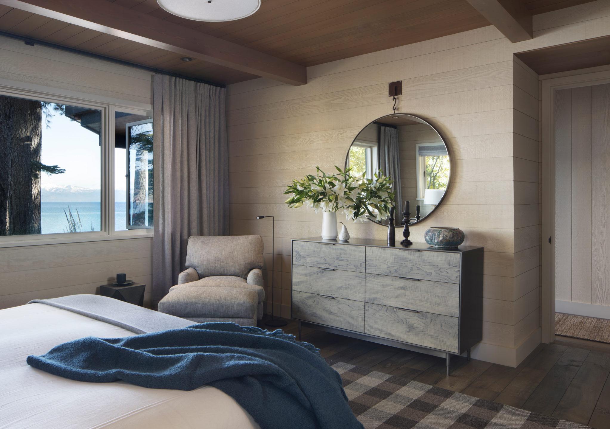 Jennifer_robins_interiors_projects_lake_tahoe_Leupold_19_off_bedroom_BR