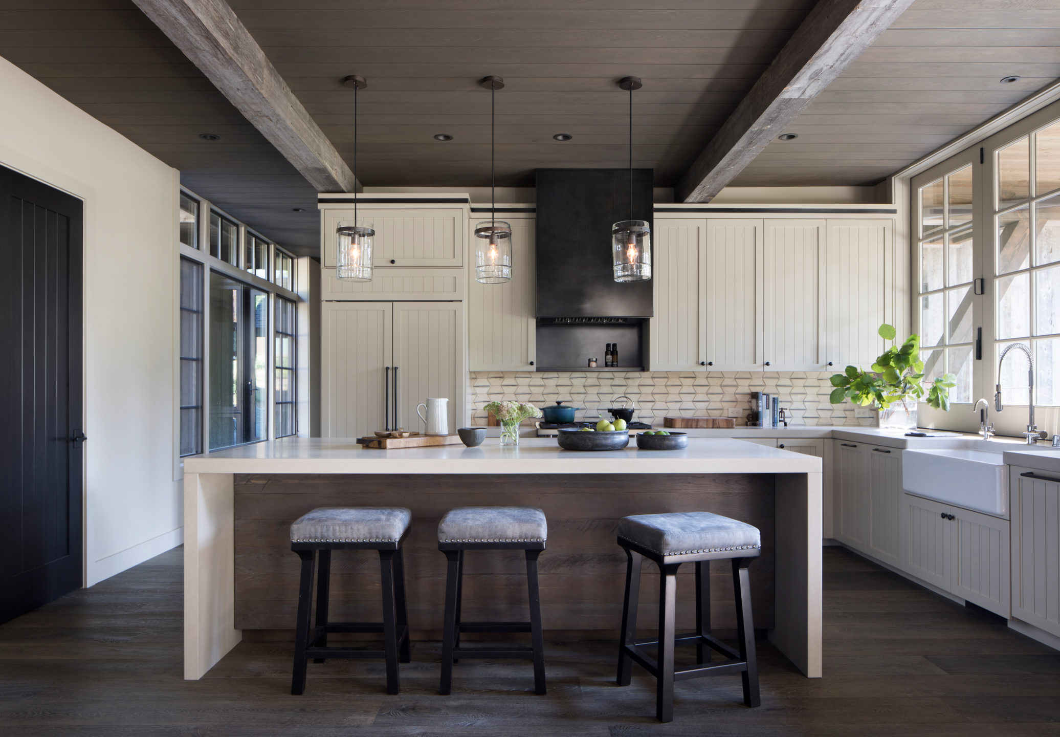 Jennifer_robins_interiors_projects_martis_camp_Del_Grand_01_HR_kitchen_island