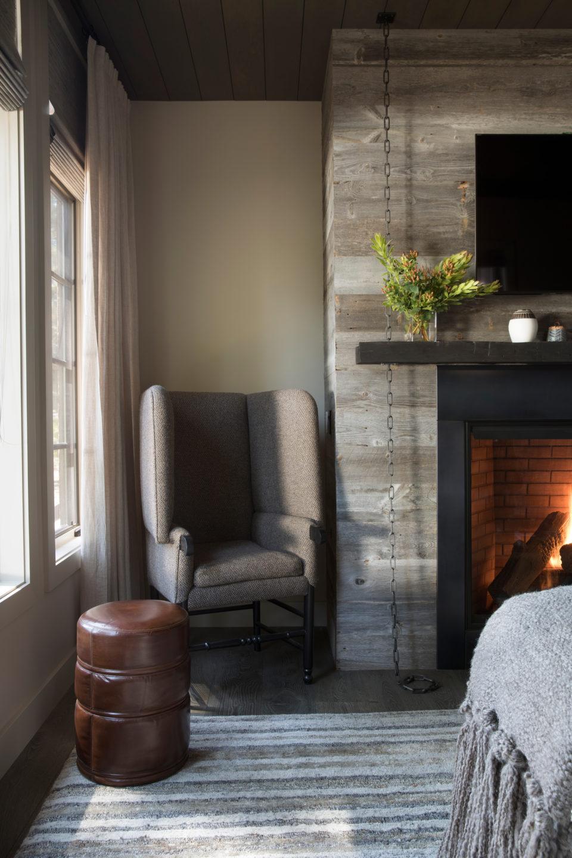 Jennifer_robins_interiors_projects_martis_camp_Del_Grand_09_HR_living_room_LR_chair