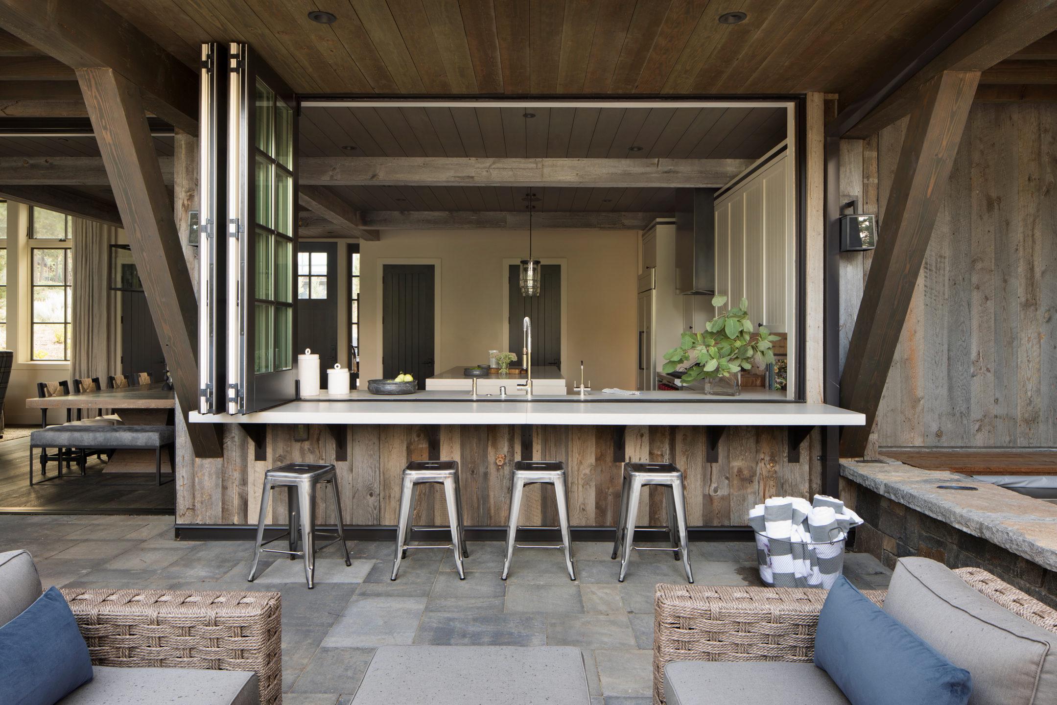 Jennifer_robins_interiors_projects_martis_camp_Del_Grand_33_HR_exterior_indoor_view