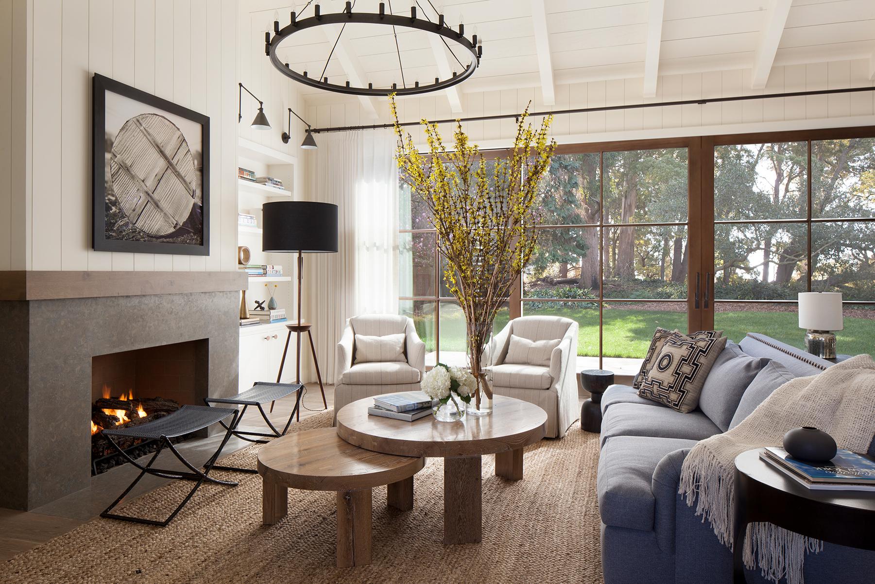 Jennifer_robins_interiors_projects_menlo_park_Garland_05_living_room_LR_fireplace