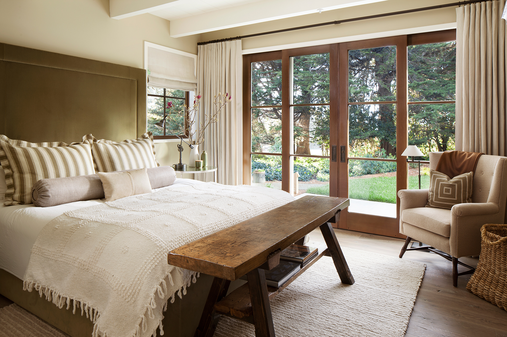Jennifer_robins_interiors_projects_menlo_park_Garland_185_retouched_bedroom_BR