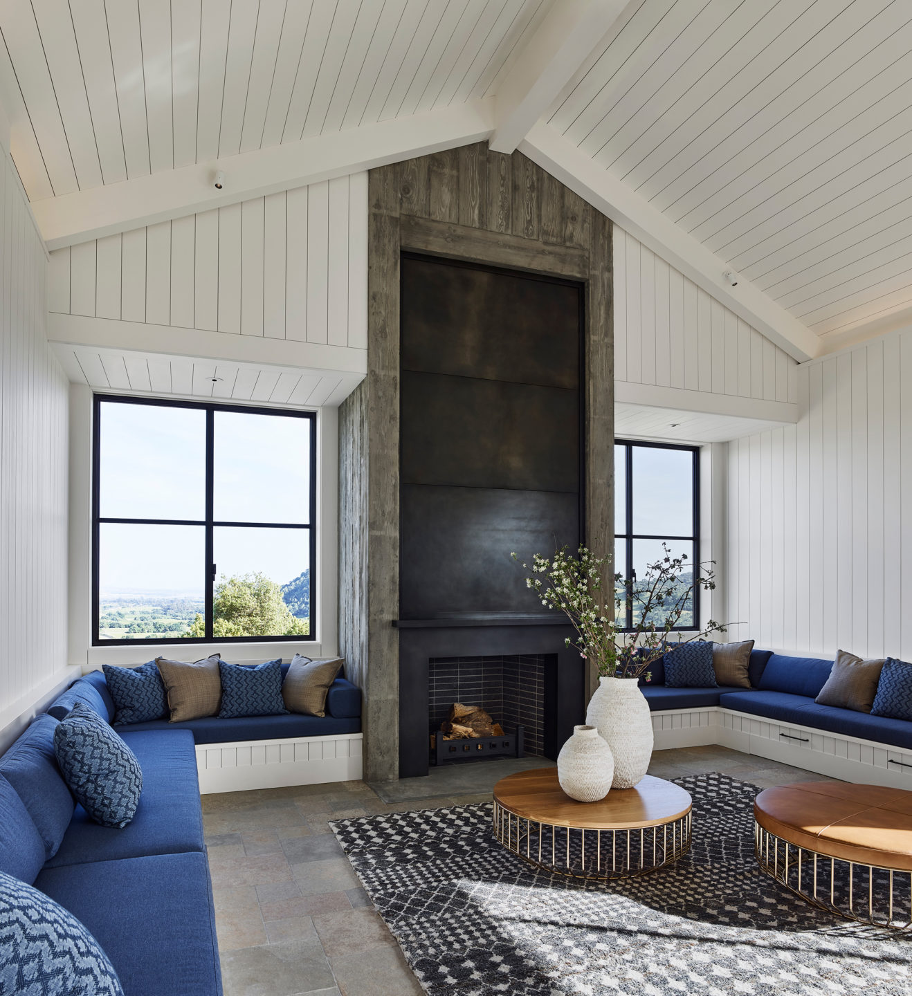 Jennifer_robins_interiors_projects_napa_valley_10_living_room_LR_fireplace_seating_interior_int