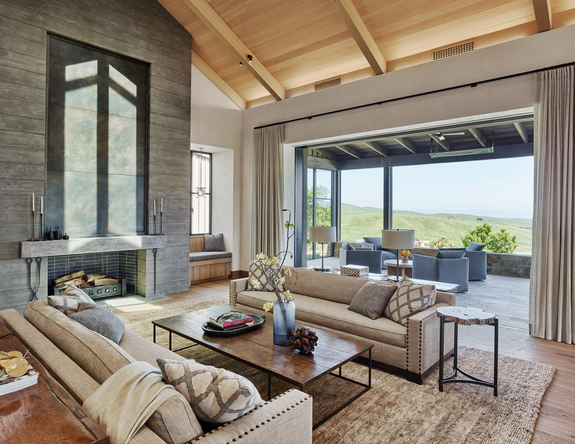Jennifer_robins_interiors_projects_napa_valley_5_living_room_LR_fireplace