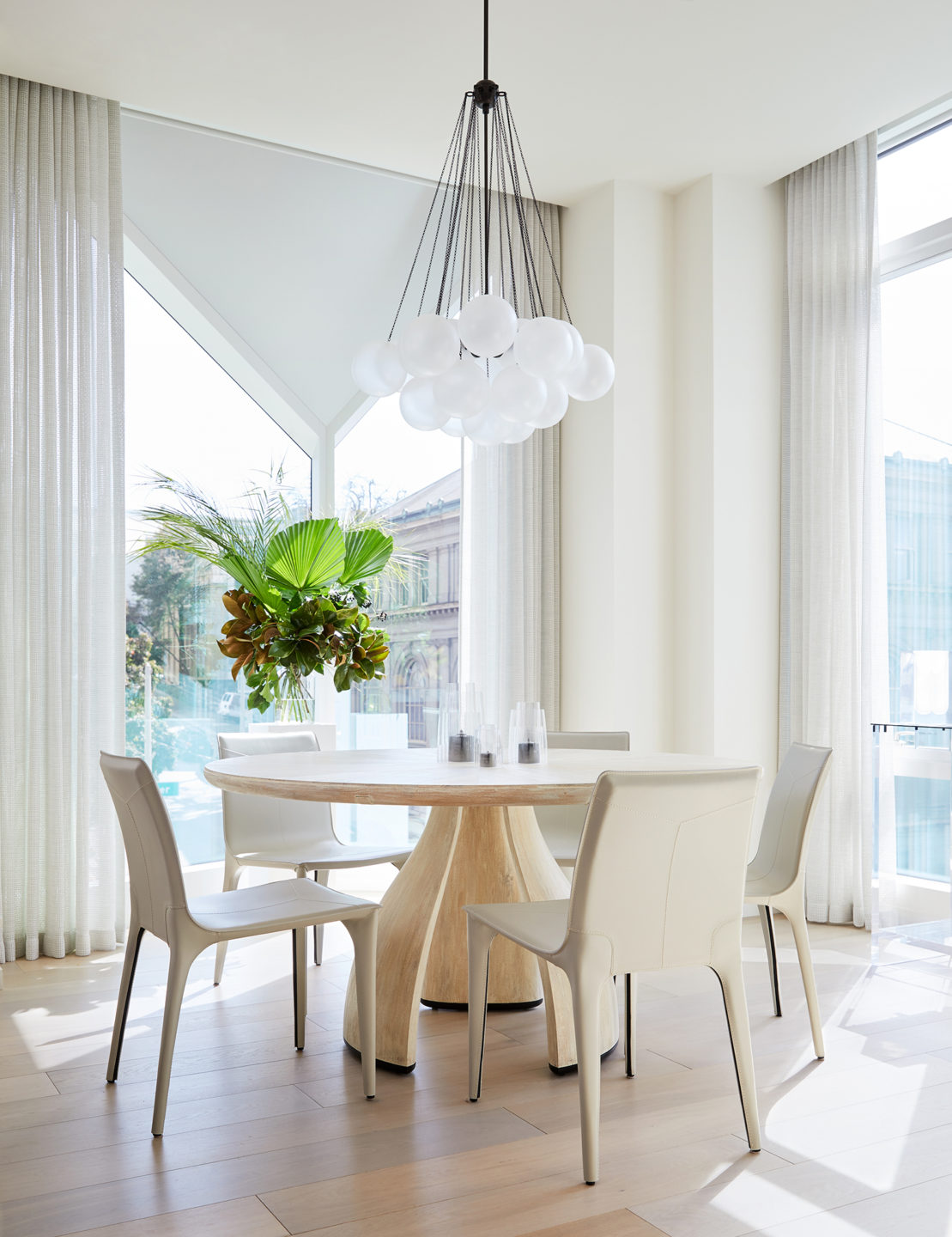 Jennifer_robins_interiors_projects_pacific_heights_SF_kitchen_table_4JRI.BarkerRes.Pacific_046