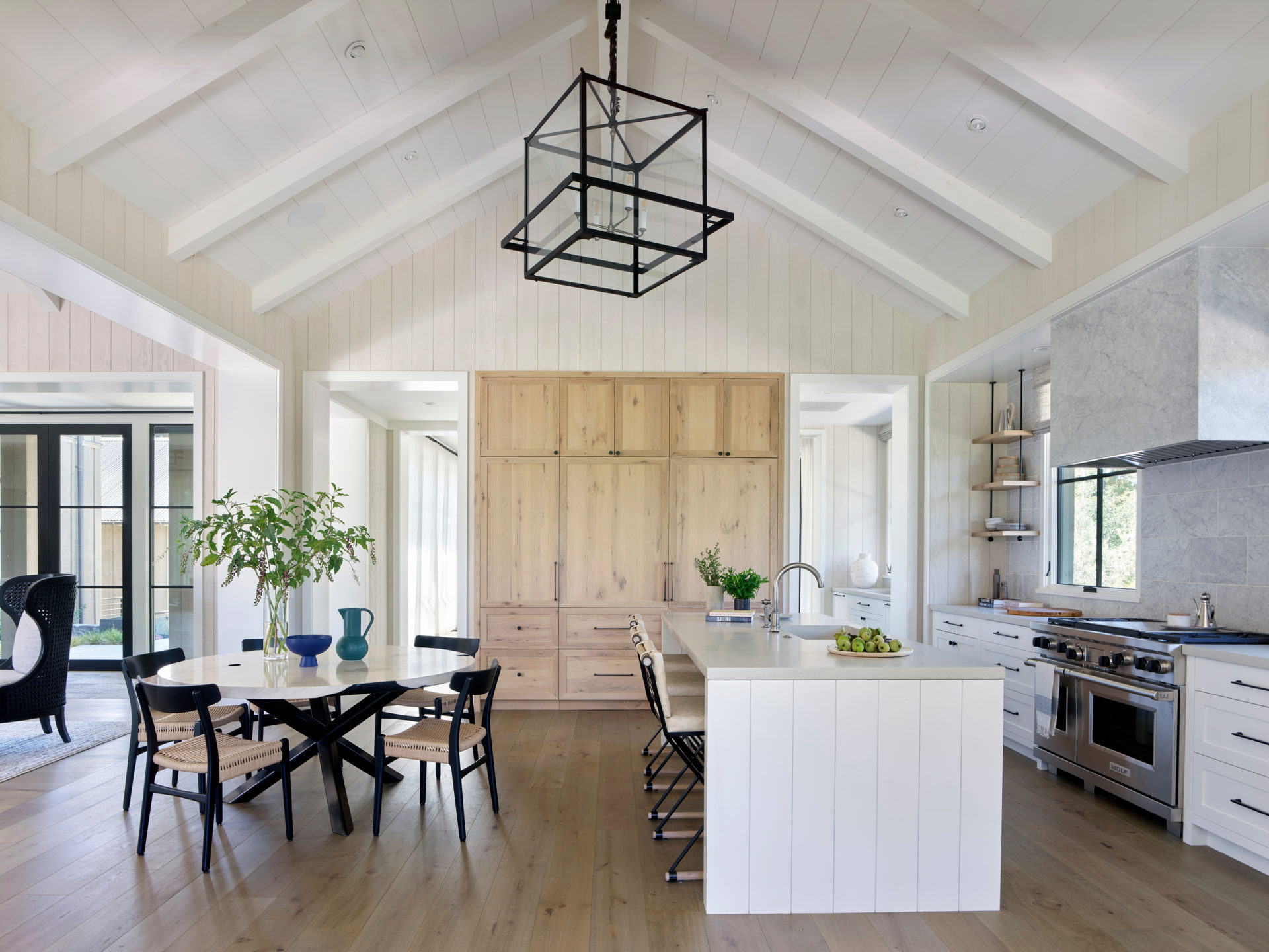 Jennifer_robins_interiors_projects_pacific_heights_portola_valley_1Portola_08_HR_living_kithcen_dinette_ws
