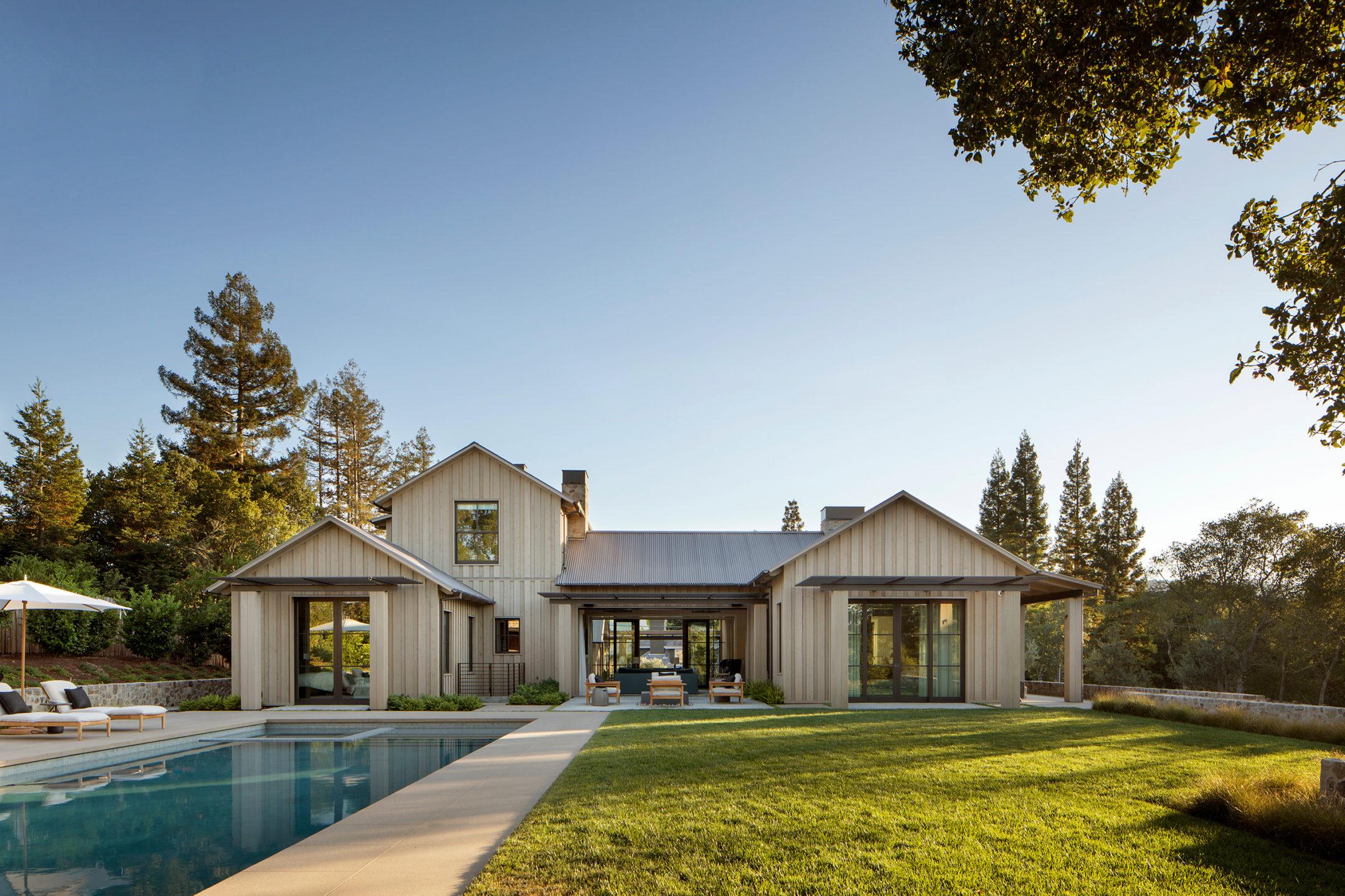 Jennifer_robins_interiors_projects_pacific_heights_portola_valley_exterior_ext_backyard_house_Portola_47_HR