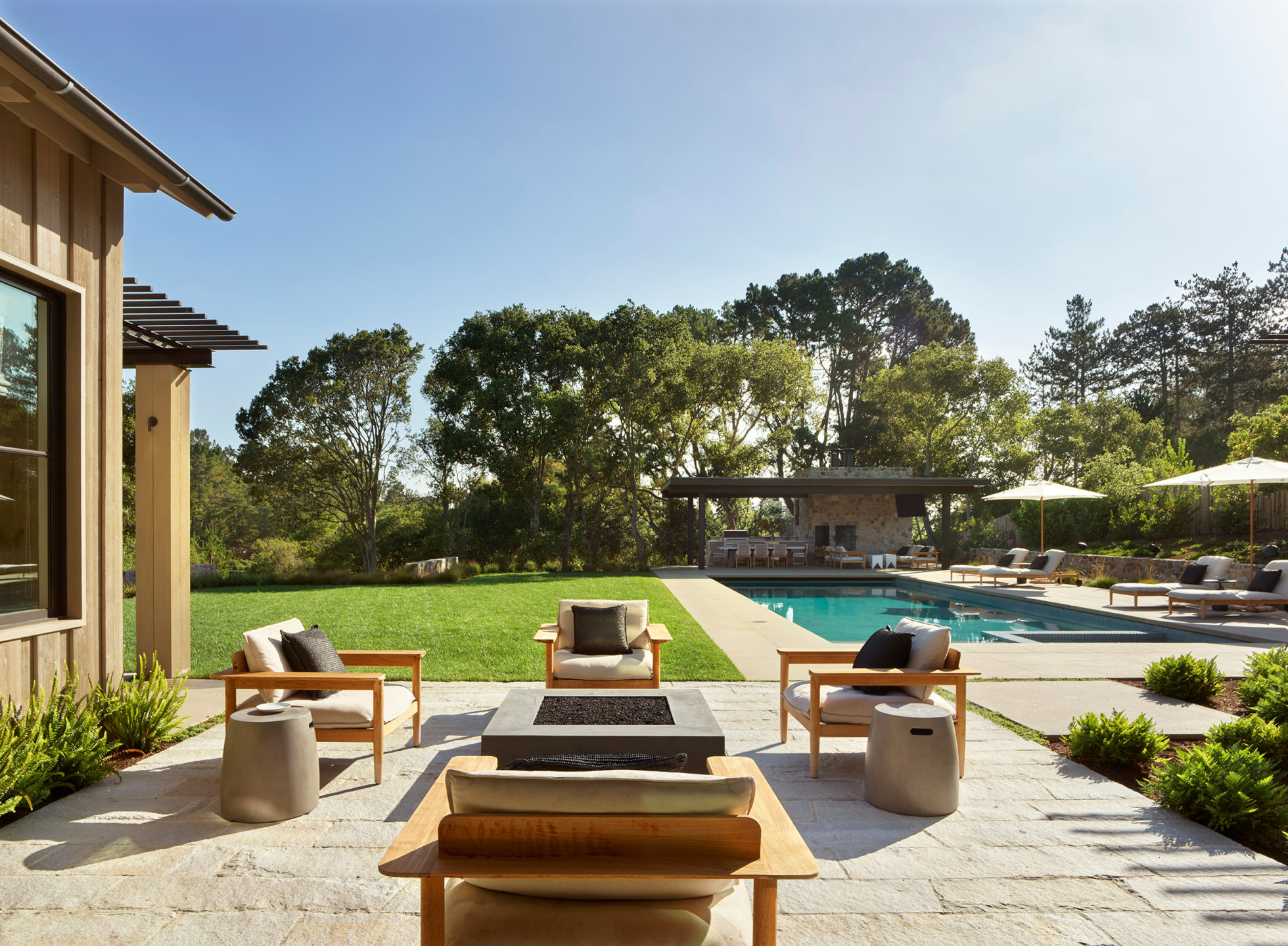 Jennifer_robins_interiors_projects_pacific_heights_portola_valley_exterior_pool_10Portola_39_HR