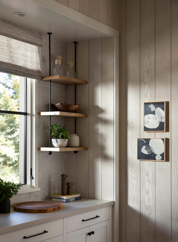Jennifer_robins_interiors_projects_pacific_heights_portola_valley_kitchen_shelves_details_3Portola_09_HR