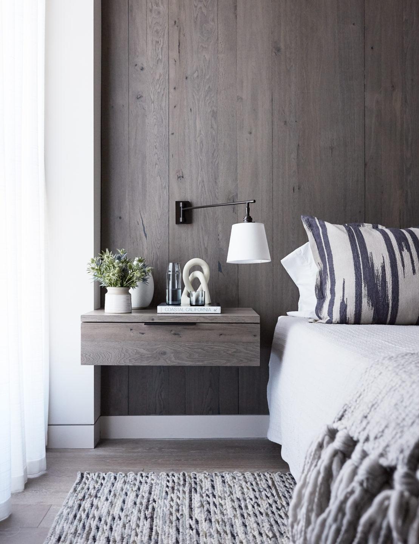 Jennifer_robins_interiors_projects_russian_hill_SF_10JRI.1070GreenSt_084_bedroom_BR_nightstand