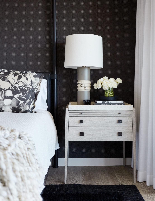 Jennifer_robins_interiors_projects_russian_hill_SF_13JRI.1070GreenSt_080_bedroom_BR_nightstand