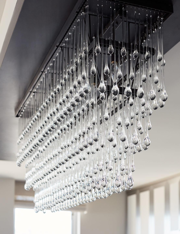 Jennifer_robins_interiors_projects_russian_hill_SF_8JRI.1070GreenSt_063_details_chandelier