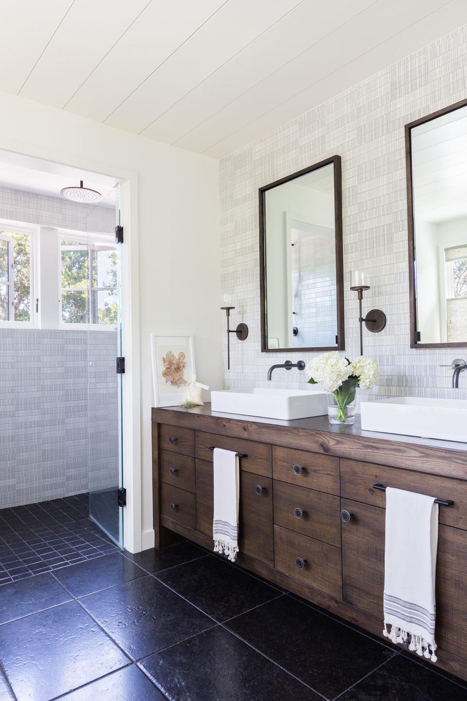 Jennifer_robins_interiors_projects_south_bay_AlyssaRosenheck2016-73_bathroom_sinks_vanity