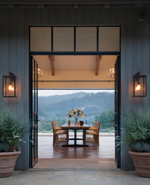 Jennifer_robins_interiors_projects_st_helena_IIII_1Conn_19_HR_exterior_ext_dining