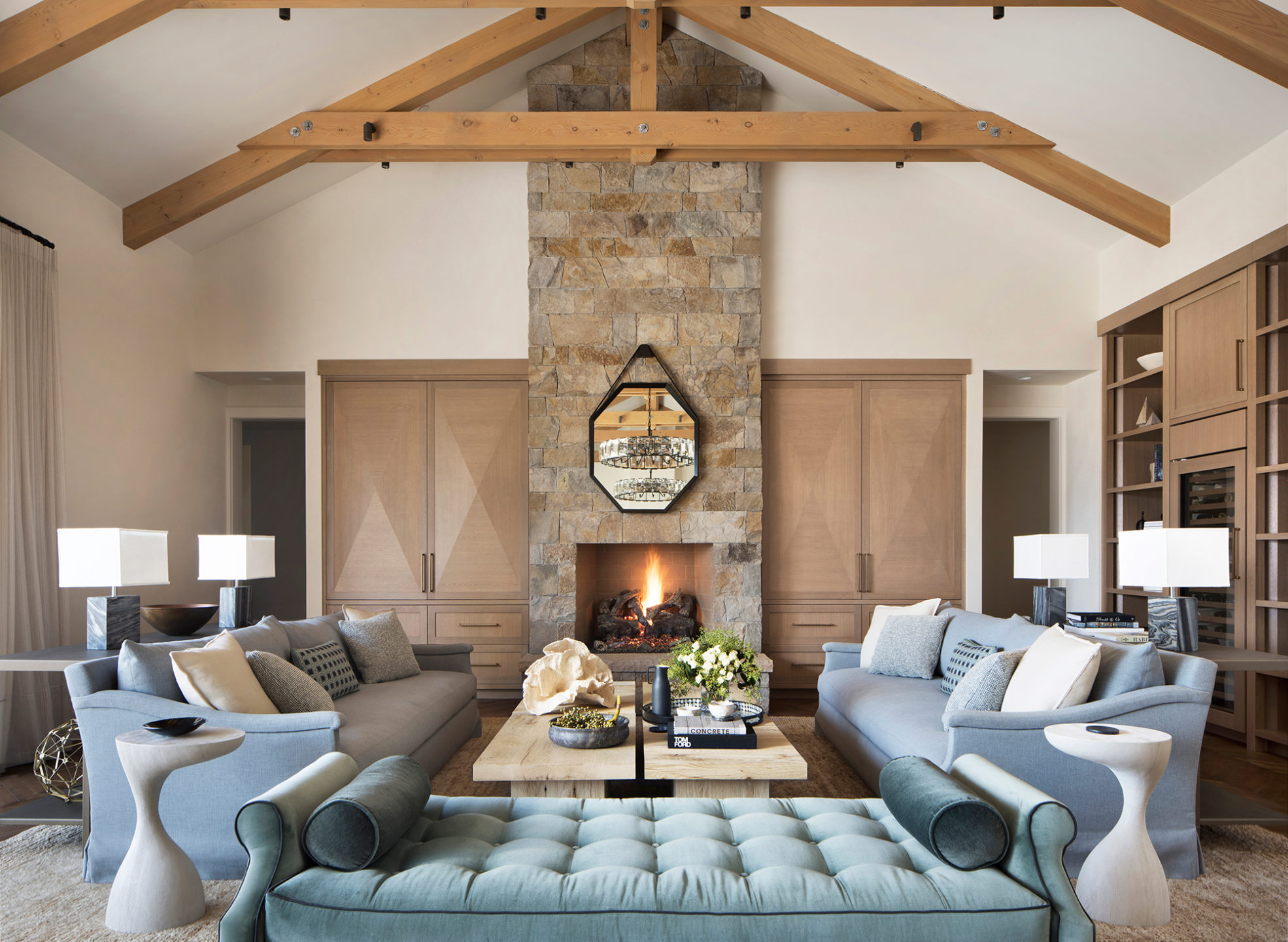 Jennifer_robins_interiors_projects_st_helena_IIII_Conn_05_HR_living_room_LR_Fireplace_couch