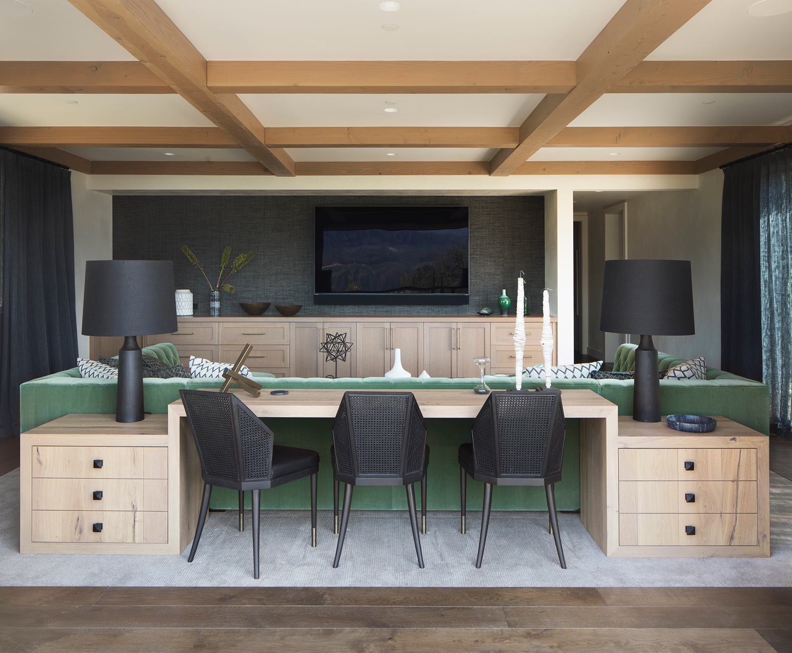 Jennifer_robins_interiors_projects_st_helena_IIII_Conn_16_HR_living_room_LR_television